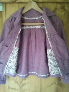 -Veste draps laine pour l'automne intérieur en liberty dans liberty 2012-09-16-16.28.35-e1348077658948-225x300